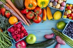 Frutta assortita e fondo delle verdure Immagini Stock