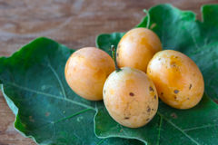 Frutta con un'arancia dolce fotografia stock libera da diritti