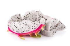 Frutta del drago isolata su fondo bianco fotografie stock libere da diritti