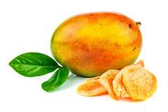 Frutta del mango con i frutti canditi e le foglie Fotografia Stock