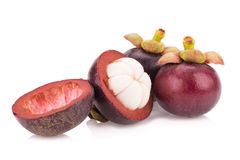 Frutta del mangostano isolata su bianco Immagini Stock