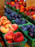 Frutta del mercato dei coltivatori immagini stock libere da diritti