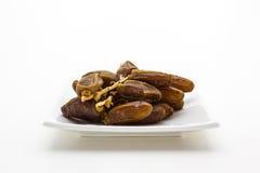 Frutta della palma da datteri nel piatto Fotografie Stock