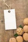 Frutta delle noci su priorità bassa di legno Immagine Stock Libera da Diritti