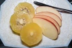 Frutta di Apple e del kiwi Fotografia Stock Libera da Diritti