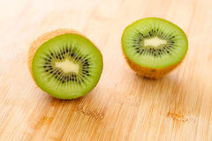Frutta di Kiwi affettata Fotografia Stock