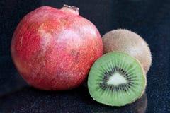 Frutta di Kiwi & del melograno Fotografie Stock