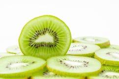 Frutta di Kiwi isolata su bianco Fotografia Stock