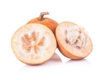 Frutta di Santol isolata su fondo bianco fotografia stock