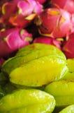 Frutta di stella e frutta del drago fotografia stock