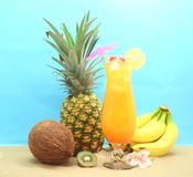 Frutta e bevanda tropicale Fotografia Stock