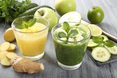 Frutta e frullato delle verdure Fotografia Stock Libera da Diritti