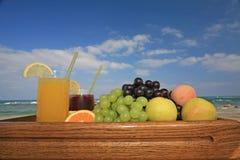 Frutta e spremute Immagini Stock
