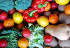 Frutta e veg chiunque? Immagine Stock