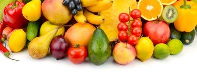 Frutta e verdura su fondo bianco fotografie stock