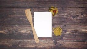 Frutta e verdure di carta della pasta del cucchiaio - fermi il moto archivi video