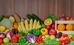 Frutta e verdure di nutrizione per stile di vita sano Immagine Stock Libera da Diritti
