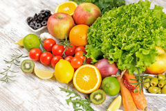 Frutta e verdure fresche - dieta sana per voi Fotografie Stock