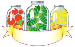 Frutta e verdure inscatolate in vasi di vetro. illustrazione vettoriale