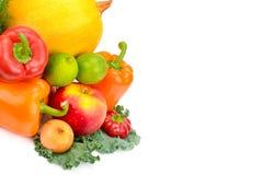 Frutta e verdure isolate su un fondo bianco Immagini Stock Libere da Diritti