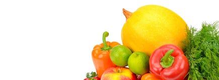 Frutta e verdure isolate su un fondo bianco Spazio libero Fotografia Stock