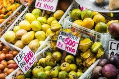 Frutta e verdure mercato del ` s dell'agricoltore San José, Costa Rica, tro Fotografia Stock Libera da Diritti