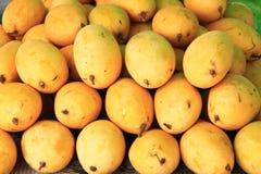 Frutta fresca del mango. priorità bassa Fotografia Stock