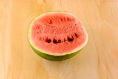 Frutta fresca dell'anguria su di legno Immagini Stock Libere da Diritti