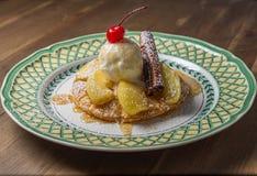 Frutta fresca e gelato alla vaniglia Fotografia Stock