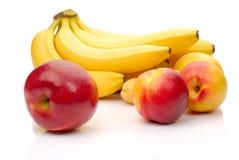 Frutta fresca rossa e gialla immagini stock