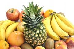 Frutta fresca su priorità bassa bianca. Concetto di dieta. Immagini Stock Libere da Diritti
