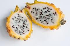 Frutta gialla divisa in due del drago Fotografie Stock