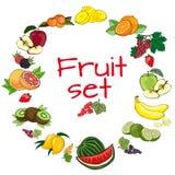 Frutta messa su un fondo bianco Fotografie Stock Libere da Diritti