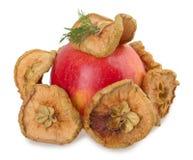Frutta secca affettata di Apple isolata su fondo bianco Fotografia Stock