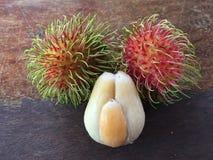 Frutta spinosa della palma del pondoh fresco del salak Fotografia Stock