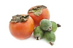 Frutta su una priorità bassa bianca. fotografia stock libera da diritti