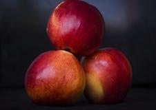 Frutta su una priorità bassa scura Fotografia Stock Libera da Diritti