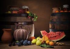 Frutta sulla tabella Immagine Stock