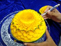 Frutta tailandese che scolpisce con la mano Fotografie Stock Libere da Diritti