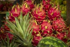 Frutta tropicale al mercato locale Fotografie Stock
