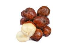 Frutta tropicale, Buah Salak o palma spinosa su fondo bianco Fotografie Stock Libere da Diritti