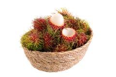 frutta tropicale del rambutan fresco isolata su un fondo bianco immagini stock
