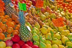 Frutta variopinta e verdure dal exhibite di agricoltura biologica Immagini Stock Libere da Diritti