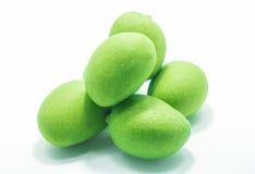 Frutta verde del mango con fondo bianco fotografia stock libera da diritti