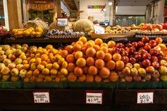 Frutti al mercato dell'agricoltore Fotografia Stock