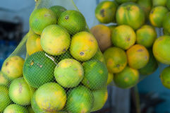 Frutti arancio nel mercato agricoltura arancio della frutta Fotografie Stock Libere da Diritti