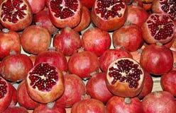 Frutti del melograno sul mercato Immagini Stock Libere da Diritti