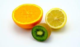 Frutti dell'arancia, del kiwi e del limone isolati Fotografie Stock