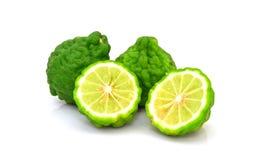 Frutti della calce del Kaffir isolati su bianco Immagini Stock