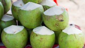 Frutti della noce di cocco da vendere Fotografia Stock
